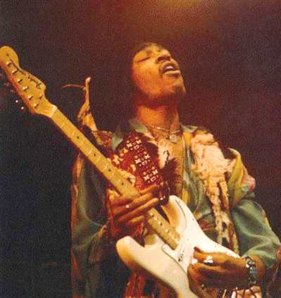 jimi_hendrix_on_stage_fender_stratocaster1